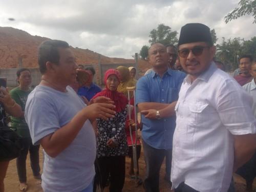 Pimpinan DPRD Kota Batam Kunjungi Korban Longsor di Pasar Induk Jodoh