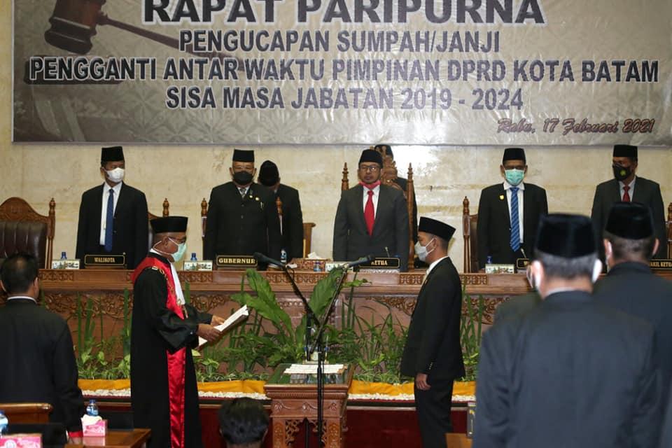 Pengucapan Sumpah Janji Wakil Ketua III DPRD Batam